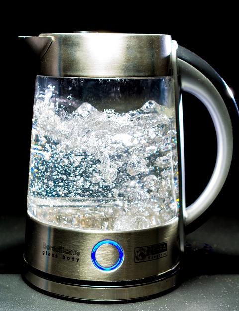 Frühjahrsputz Tipps und Checkliste  Helpling ~ Wasserkocher Entkalken Zitrone